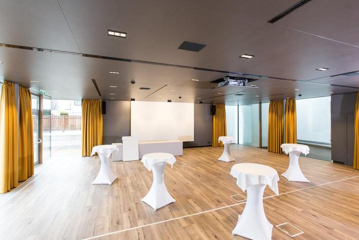 <de>Seminar & Tagung</de><en>Seminar & Conference</en><se>Möten & Konferenser</se>